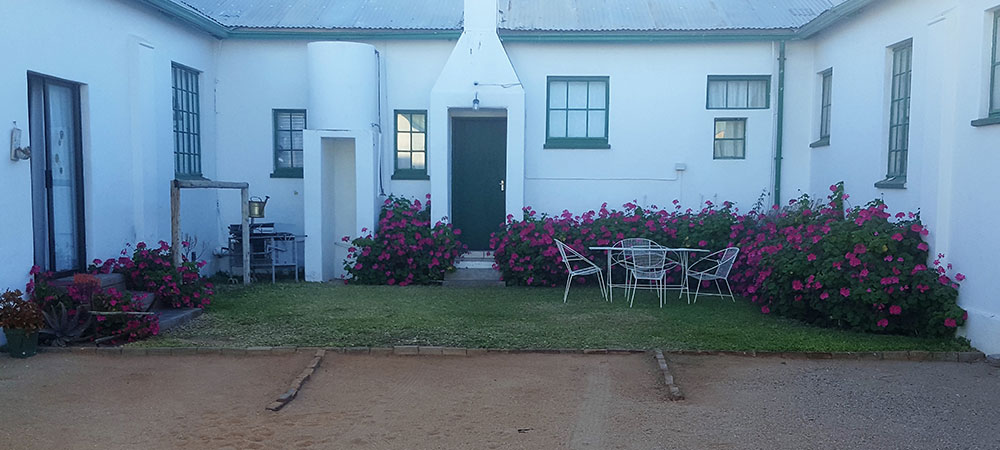 Parking Area | De Oude Herberg Country Lodge | Kenhardt Accommodation